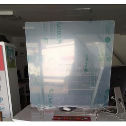 Barrière en plexi pour commerce - hygiaphone transportable sur comptoir