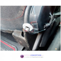 installation de la paroi de confinement pour voiture séparation avant arrière dans une voiture